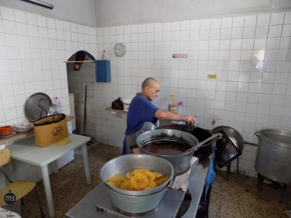 Taher Ben Sassi, l'actuel propriétaire de la boutique des Slimane (Crédit Photo: Abdel Aziz HALI - mangeonsbien.tn)
