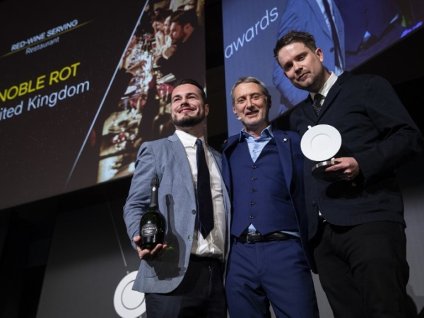 FRANCE-LIFESTYLE-GASTRONOMY-AWARDS-RESTAURANT